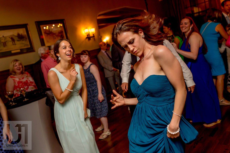 bridesmaids dancing at wedding reception at the Royal Ottawa Golf Club in Gatineau