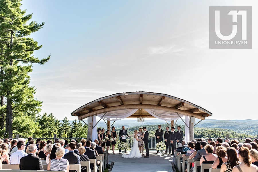 wedding ceremony at a le belvedere wakefiled quebec