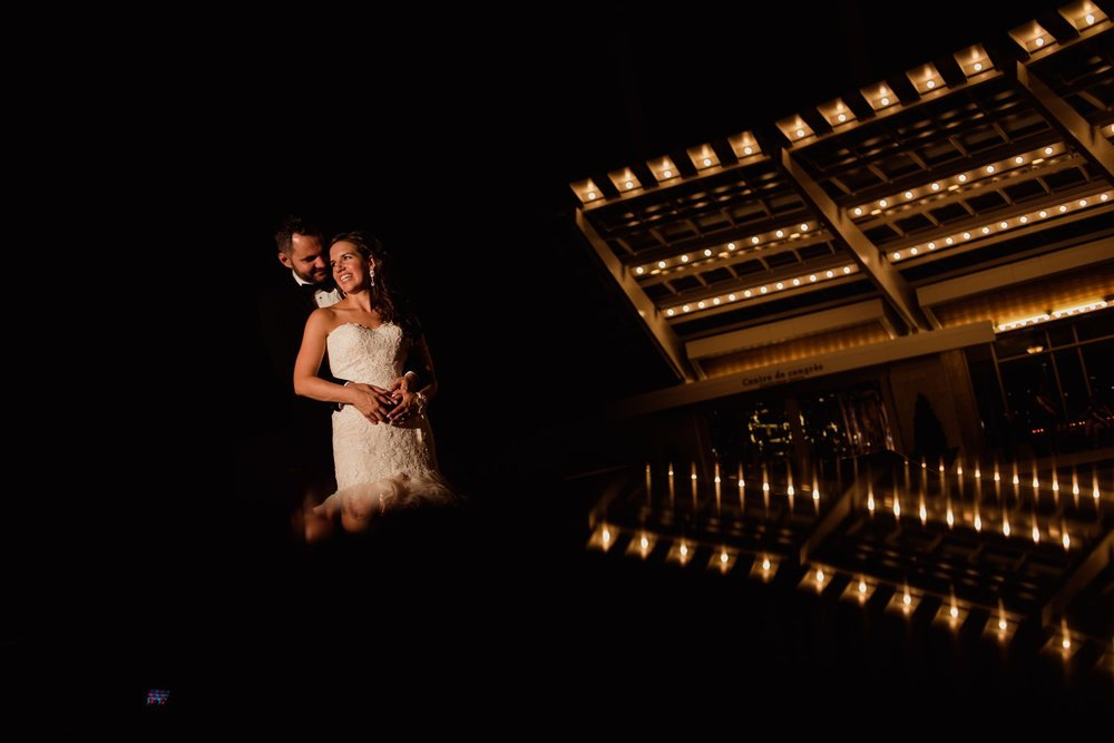 A portrait of the bride and groom after their wedding reception at the Hilton Lac-Leamy