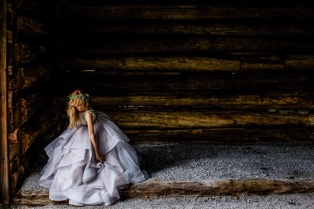 bridal portrait at stonefields estate in ottawa