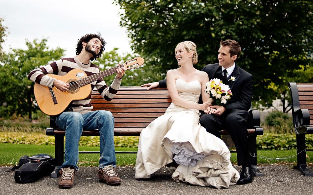 funny and happy wedding photo
