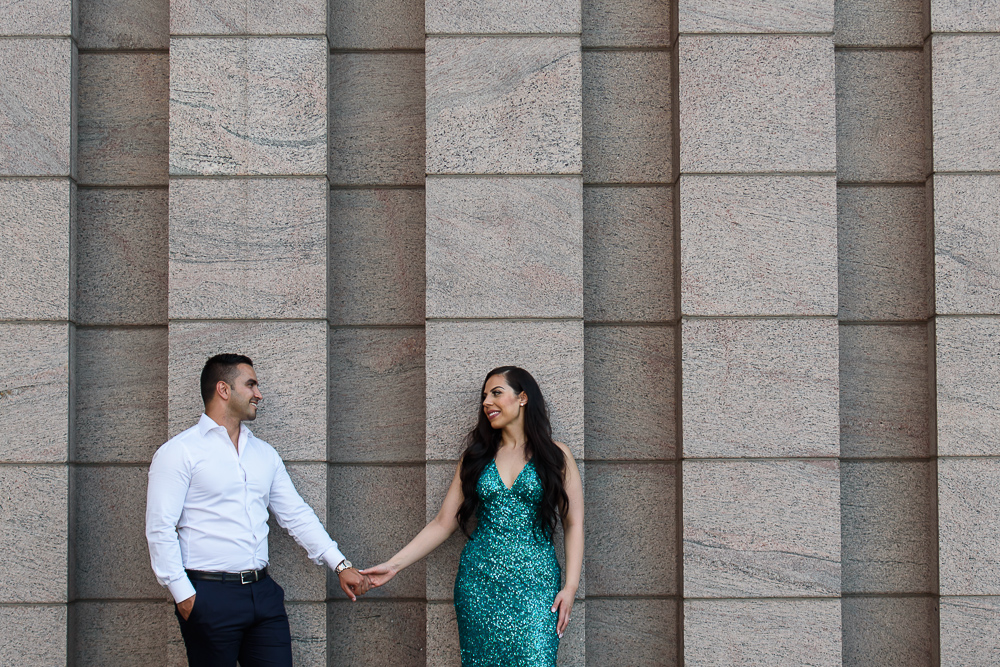engagement photograph at the national art gallery in ottawa