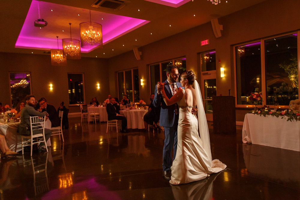 first dance photo from le belvedere
