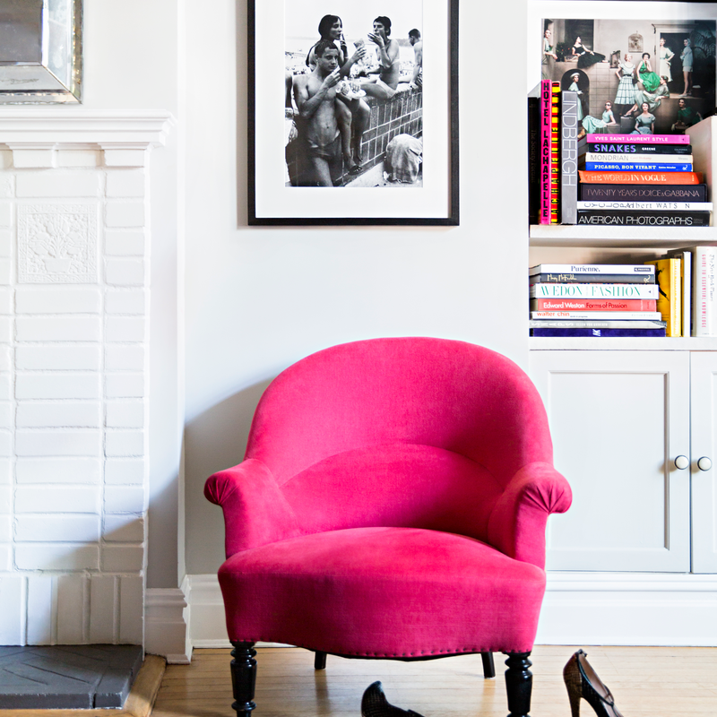 pink sofa.png