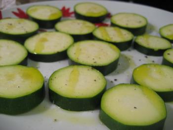 Squishy Zucchini : Grilled Zucchini Coins ? the avid appetite