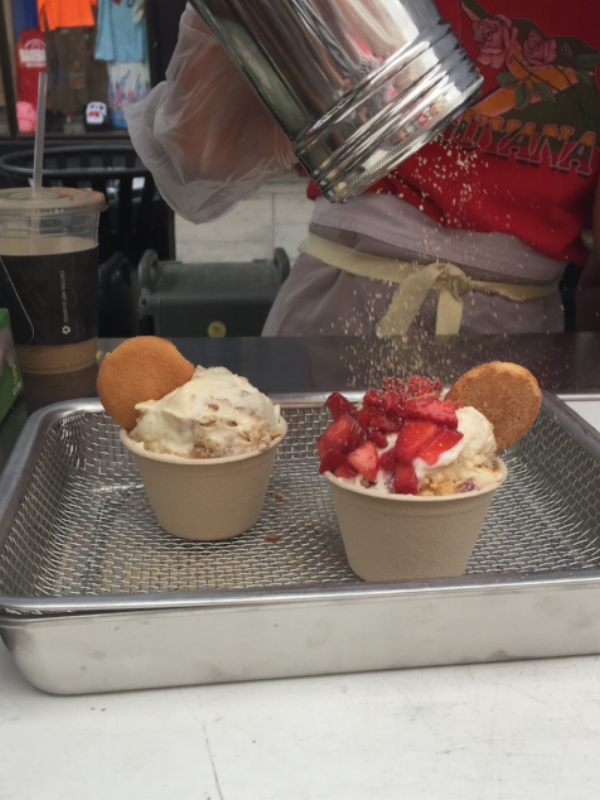 One of my favorite Jersey City outposts:  Baonanas ! Srsly the BEST banana pudding (I'd put it up against Magnolia any day), and the scoopers were just so fun and sweet. It's a must-have anytime I spot it. Above is the OG and the lychee rose w/strawbs.