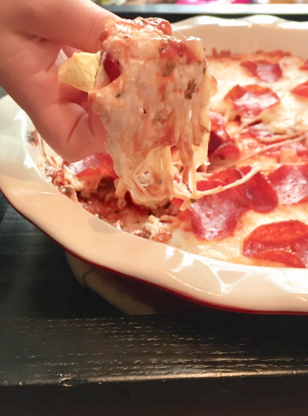 pepperoni pizza dip super close