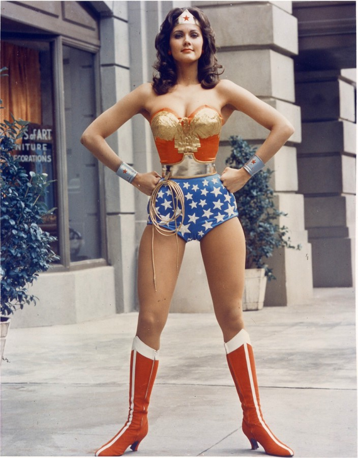 Wonder-Woman-Linday-Carter-704x900