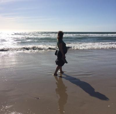 beach preggo.JPG