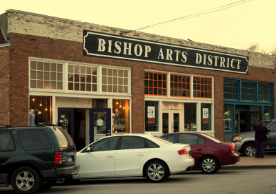 The  Bishop Arts  District is home to over 60 independent boutiques, restaurants, bars, coffee shops, theaters and art galleries. Located in the heart of North Oak Cliff, one of Dallas' most unique neighborhoods. A historical shopping district full of great finds, good eats, and good ole Oak Cliff charm!