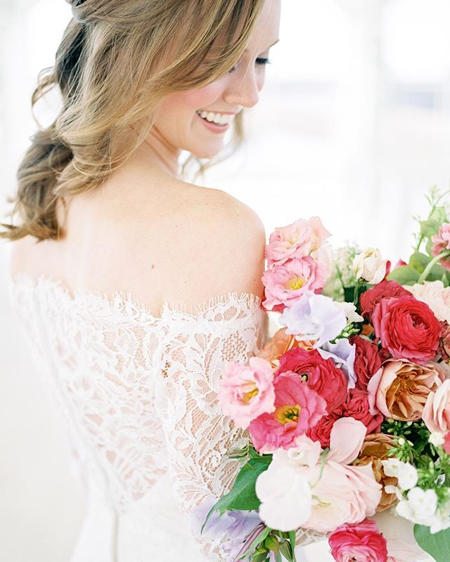 I can hardly believe it seeing my photos on @stylemepretty today! All due to the awesome team that made all the pretty happen and of course gorgeous @savsumm and her groom! Such a perfect, sweet day. Link in my profile! ☝🏼 Planning: @lindseybrunk  Floral: @mossfloral  Venue: @thegrandivory Music: @leforcedj Rentals: @toptiereventrentals  Film: @photovisionprints