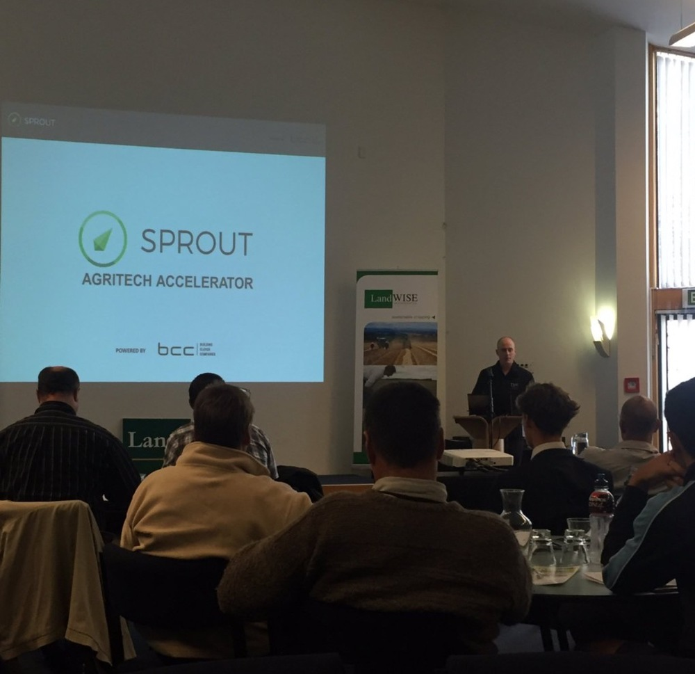 Stu Bradbury presents the Sprout Agritech Accelerator programme to the attendees.