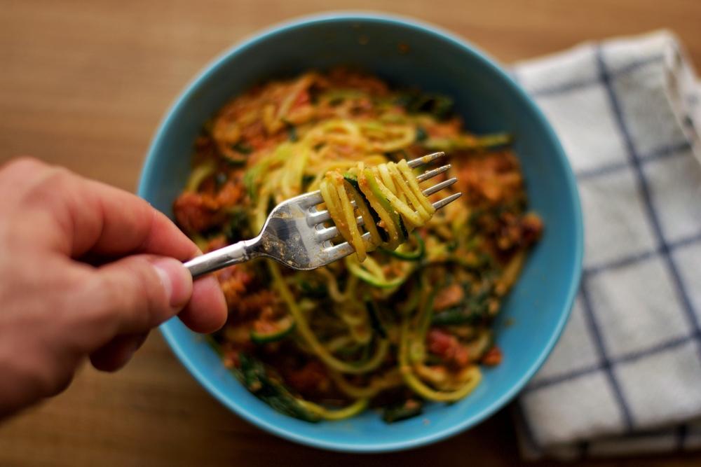 zucchini-spirals-sundried-tomato-cream-sauce.jpg