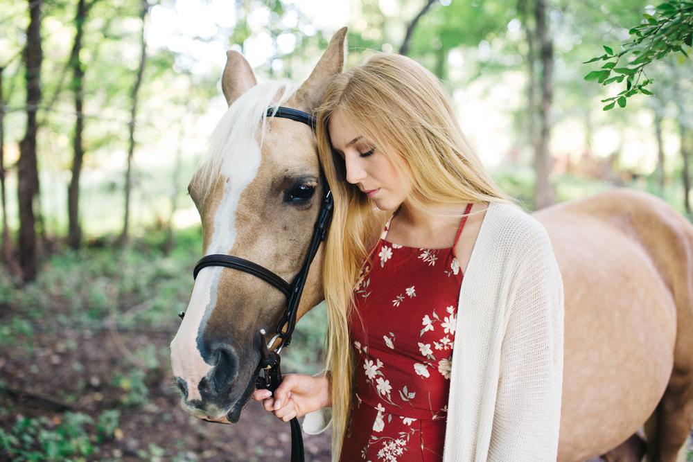 annapolis-maryland-senior-portrait-session-photographer-boho-horse-inspo-emma-jean-photography-8-photo.jpg