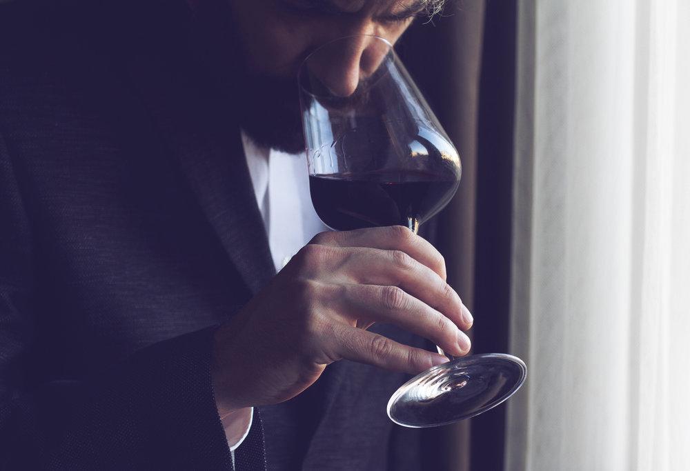DEN GAMLE KOMMANDANT   Vinsmaking    PÅMELDING
