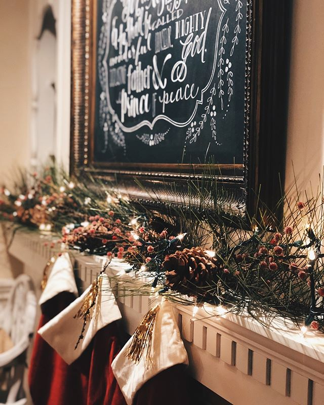"""it's beginning to look a lot like Christmas..."" 📷 @amytaylormcbroom . . . . . . . . . . #tbt #moderncalligraphy #handlettering #christmas #merrychristmas #happyholidays #typography #calligraphyart #type"