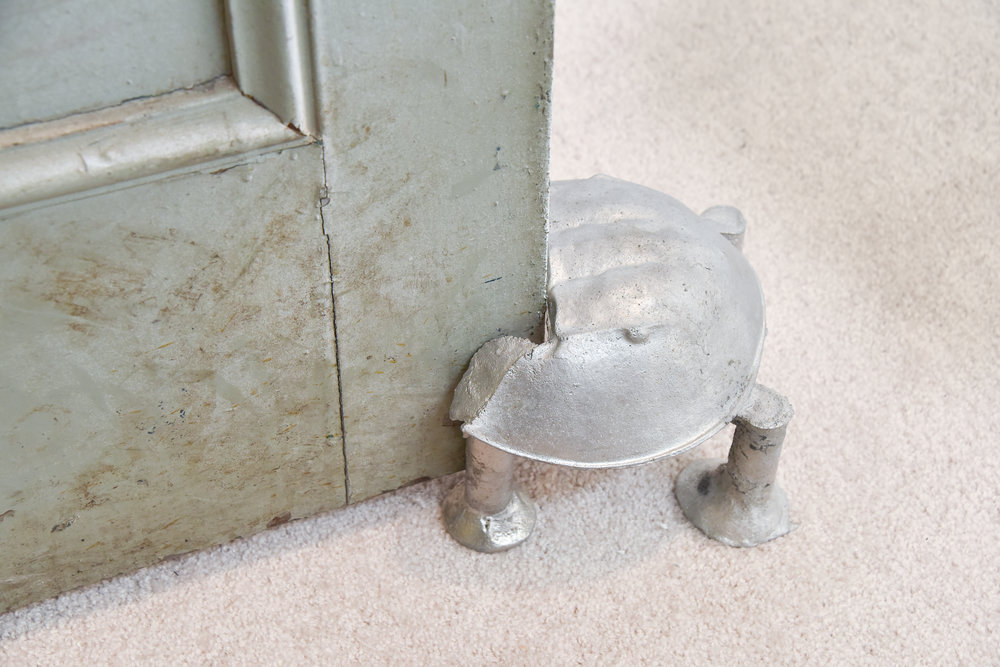 Doorstop Crab, Agata Ingarden sandcasted horseshoe crab, aluminium, copper