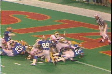 546433856-goal-line-oakland-invaders-baltimore-stars-usfl-touchdown.jpg