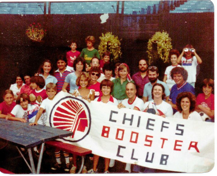 chiefs-booster-club-prior-to-dallas-tornado-game-august-17-1980.jpg