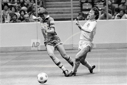 Rowdies 81-82 Indoor Road Mike Connell, Ricky Davis 2-6-1982.jpg
