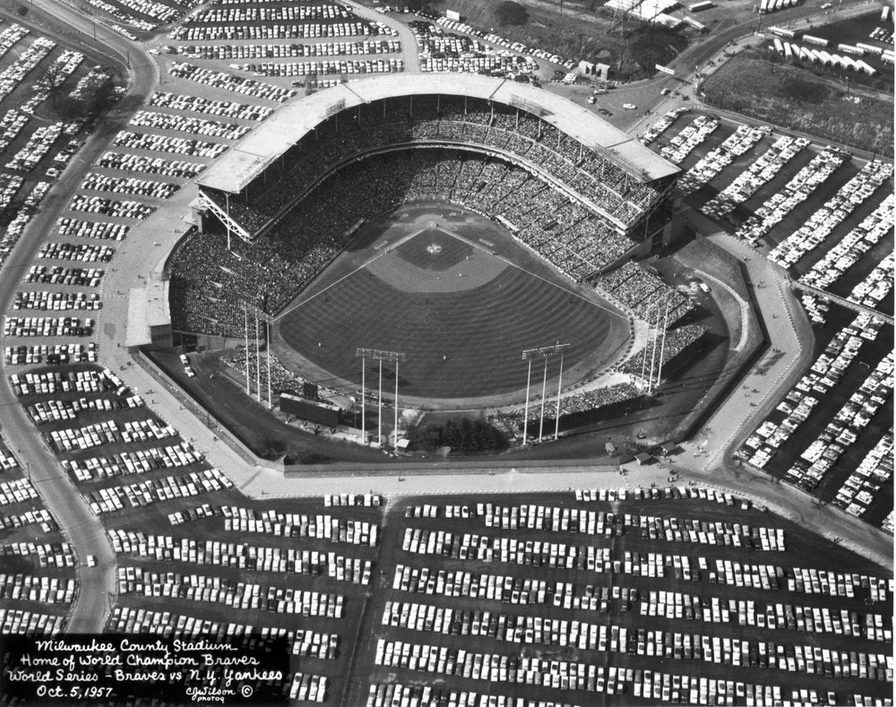 Milwaukee-County-Stadium.jpg