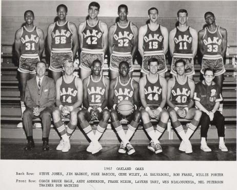 Oaks 67-68 Road Team.jpg