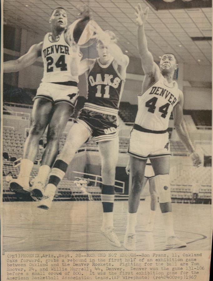 Rockets 67-68 Home Murrell, Hoover, Oaks.jpg