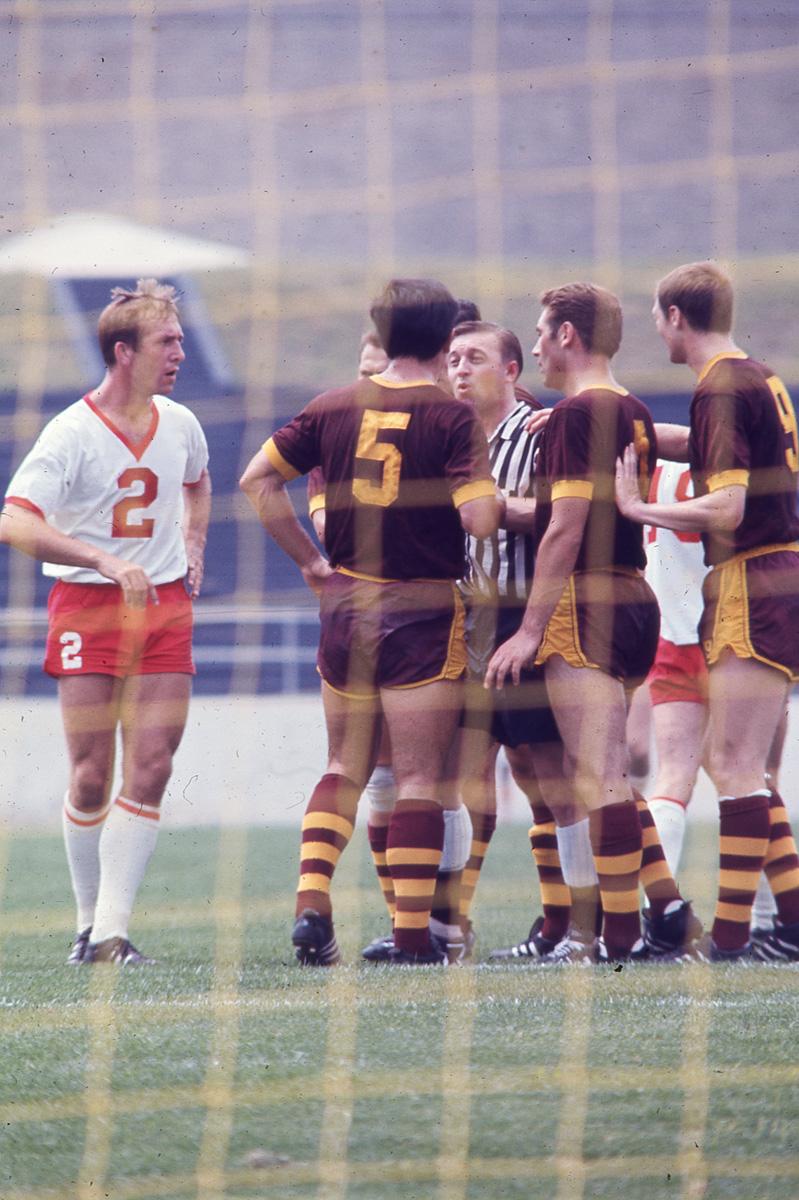 Spartans 67 Home 5 Navarro, 4 Best, 9 Short with ref Eddie Pearson, Spurs 6-25-1967.jpg