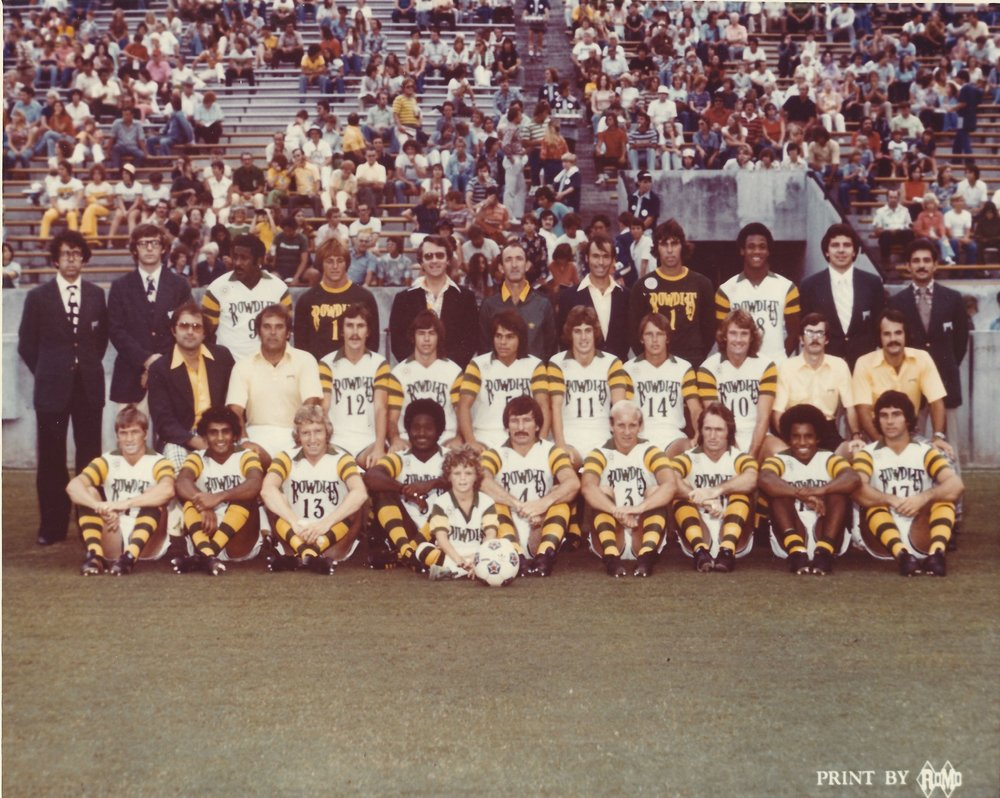 1976 TB Rowdies Team Photo Tampa Stadium.jpg