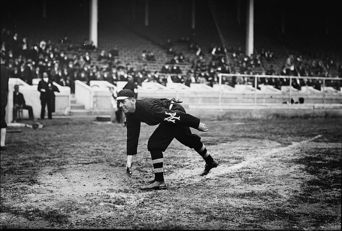 Fred-Snodgrass-warming-up-before-a-game-during-the-1911-World-Series-at-Shibe-Park-in-Philadelphia..jpg
