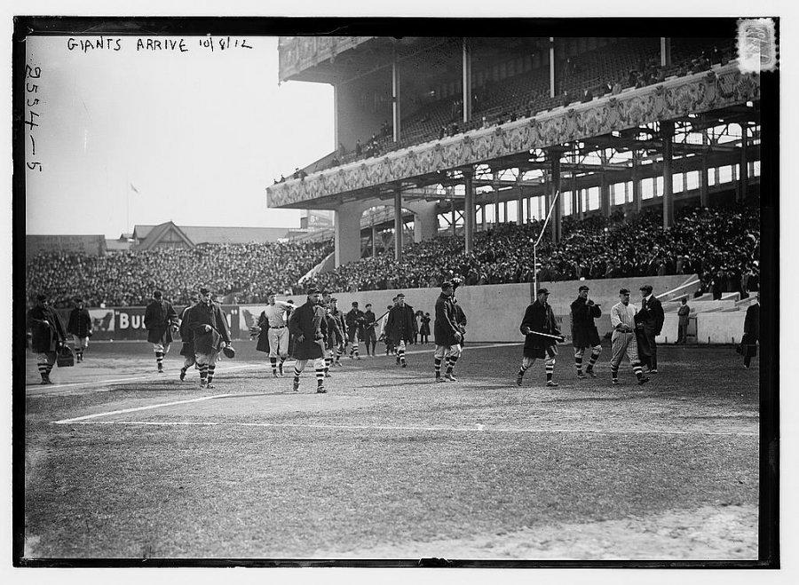 the-new-york-giants-come-onto-the-field-before-the-1912-world-series.jpg