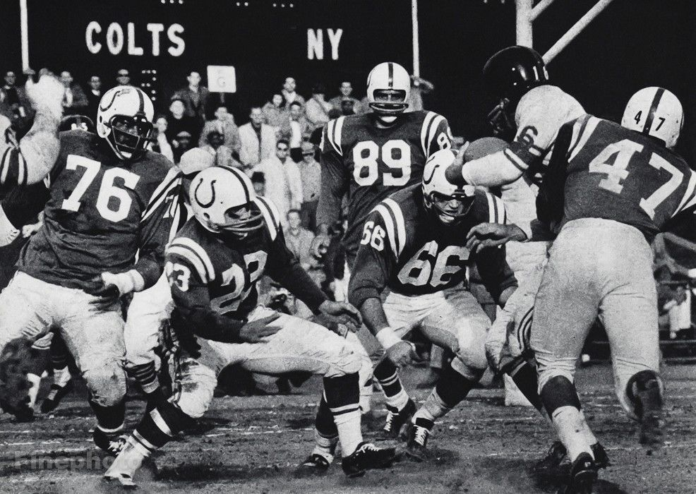 1950s-NFL-FOOTBALL-Game-New-York-GIANTS-Baltimore.jpg
