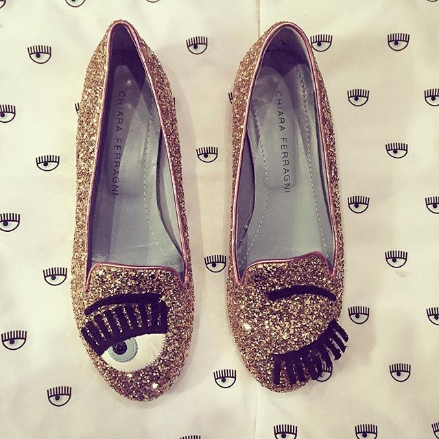 Perfect day for some pink and gold glitter flats #springfashion #cfflirting