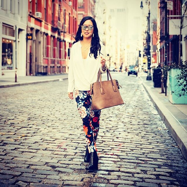 Perfect day for a pair of floral jeans 🌺🌼🌸 and strolling in Soho #ootd #lotd #wiw