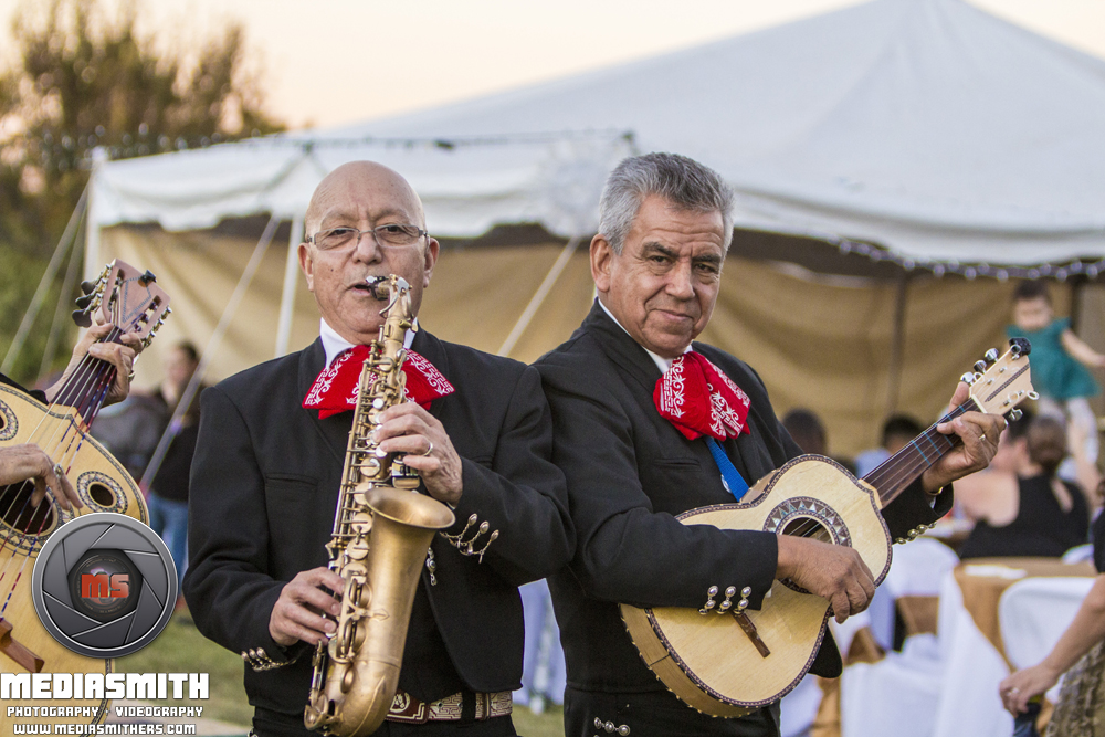 Anniversary Photography: The Mariachi Band