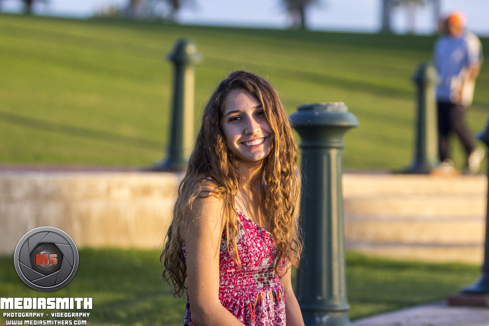 Starpointe_Residents_Club_Goodyear_AZ_Senior_Portraits_Graduation_Smiles_Girl