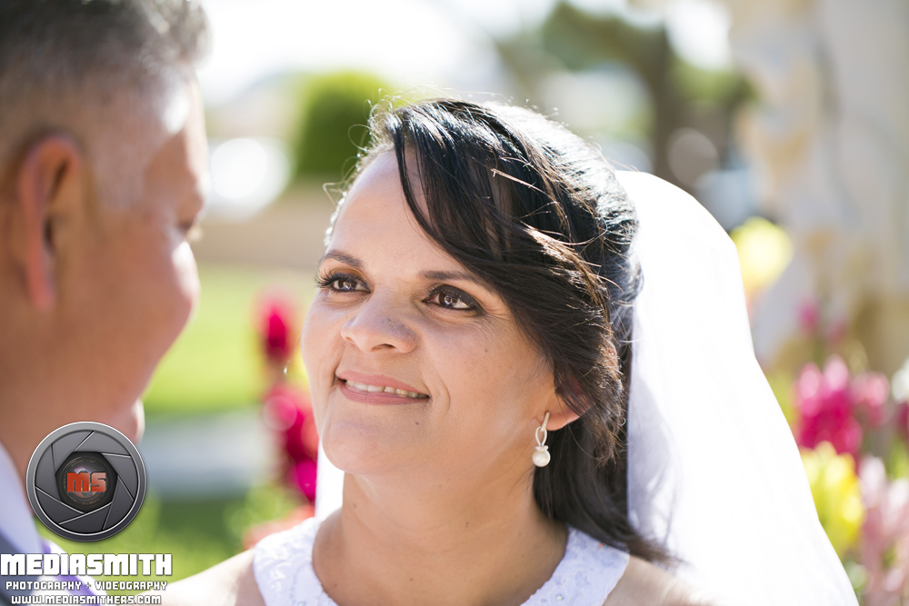 Wedding_Photography_Phoenix_AZ_Wife_Looking_At_Husband