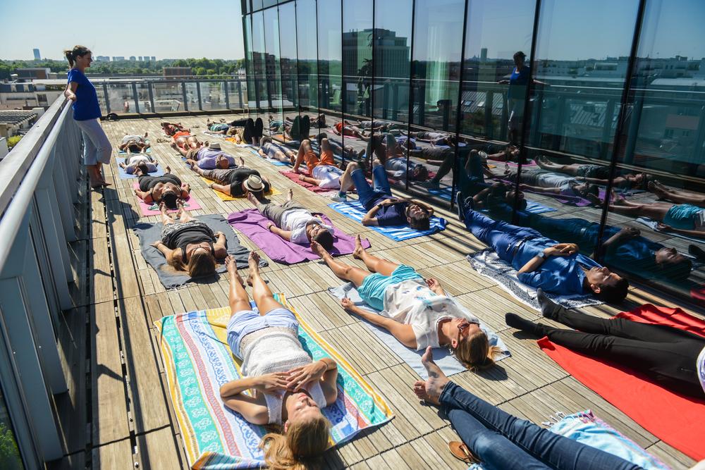 OLY-Be-Yoga-en-entreprise-relaxation.jpg