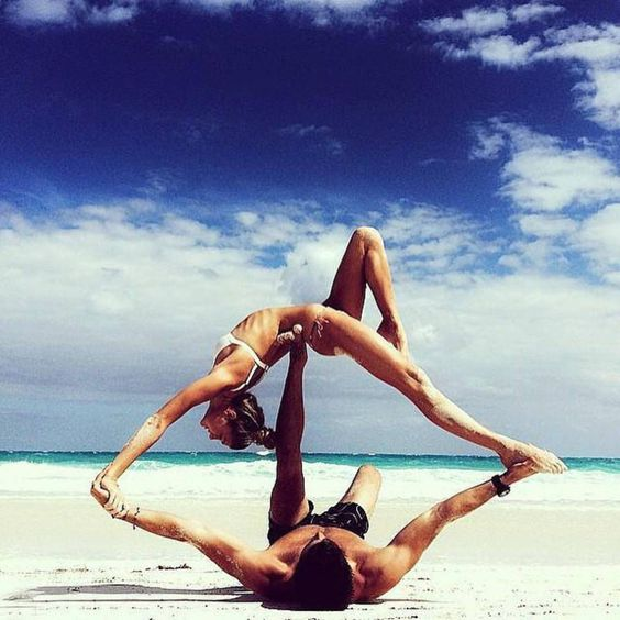 yoga-duo-couple-acro.jpg