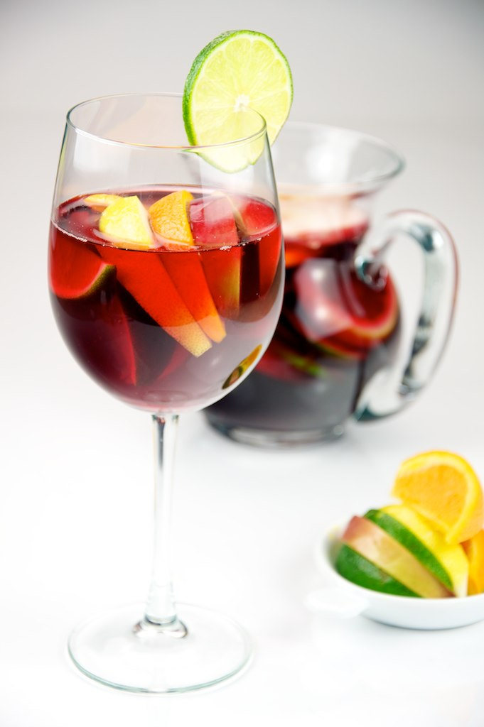 Red_Wine_Sangria_with_lemon,_lime,_apple,_and_orange_served_in_a_glass_-_Evan_Swigart.jpg