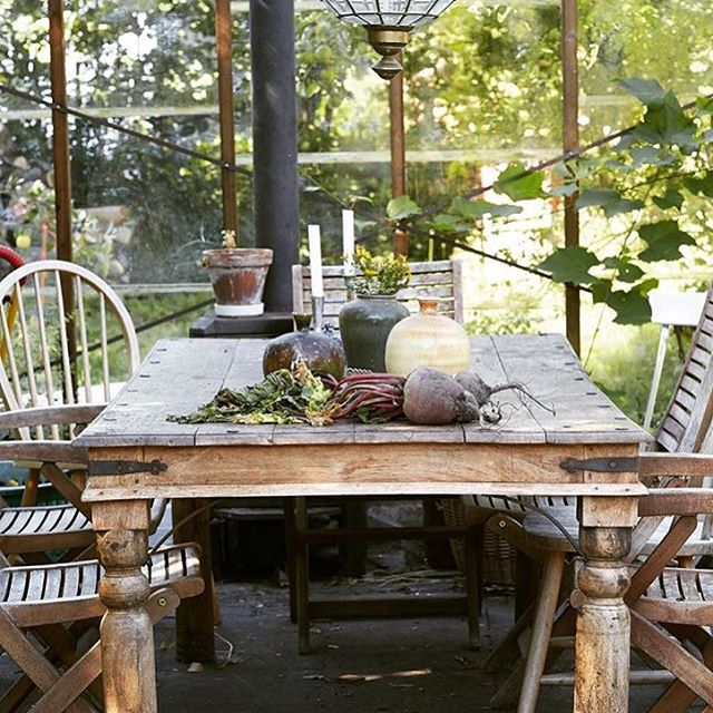 Massa härlig inspiration om växthus nu hos oss på Himma! Visst är det kul att smida planer? Sommaren ligger framför oss! Skön långhelg på er, önskar Himma! #hoshimma #växthus #sommarplaner #trädgårdsdrömmar