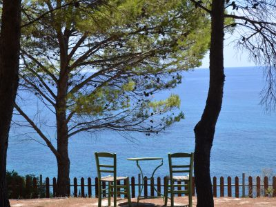 Chairs-with-a-view-400x300.jpg