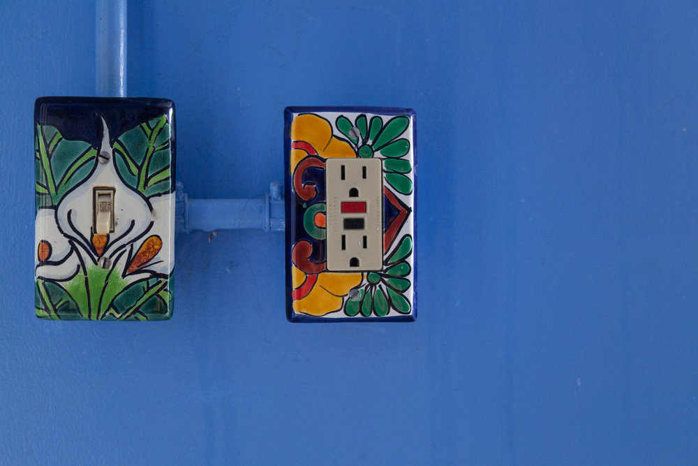 08-Bathroom-0002-Summer_Rayne_Oakes-Talavera-Light-Switches.jpg