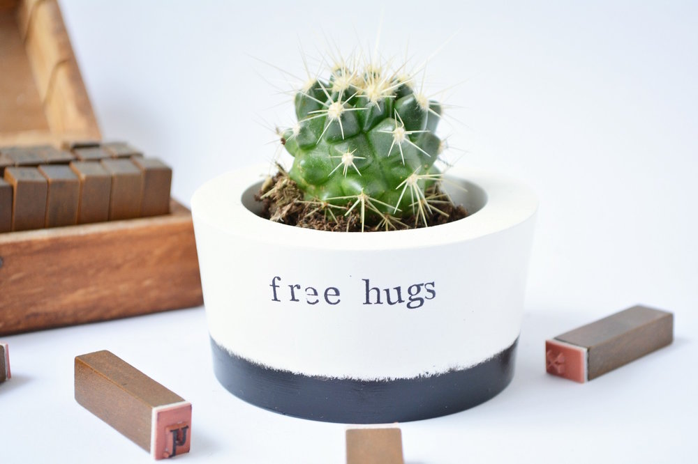 Image:  [IM]PERFECT Free Hugs Pot  / Find on Wearthlondon.com