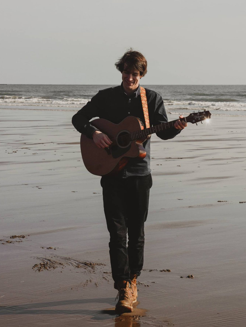 Jakub Pešek - Jakub is a singer-songwriter based in Dundee. He is currently working on his debut EP which will be released in February 2019. Jakub studies popular music at Perth UHI. He is from the Czech Republic and he moved to Scotland three years ago.