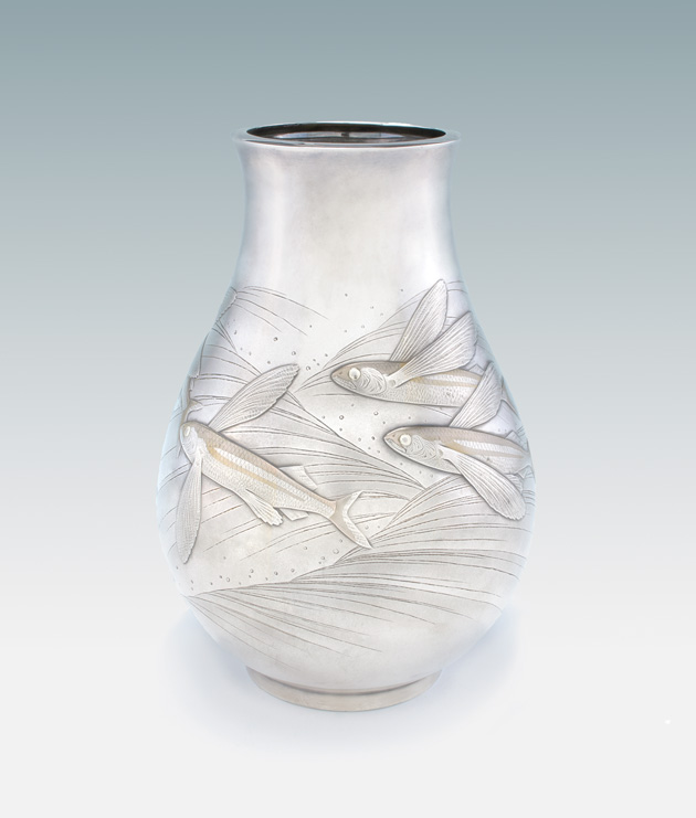 VASE WITH FLYING FISH DESIGN, CA. 1930S, ISOZAKI YOSHITSUGU (BIA), JAPANESE, 1884–1949, SILVER WITH GILDING, 12 X 8 5/16 IN.