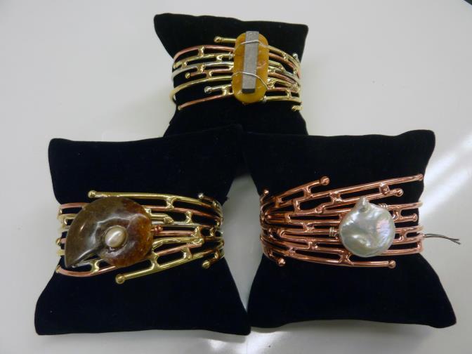 bracelets_op_672x504.jpg