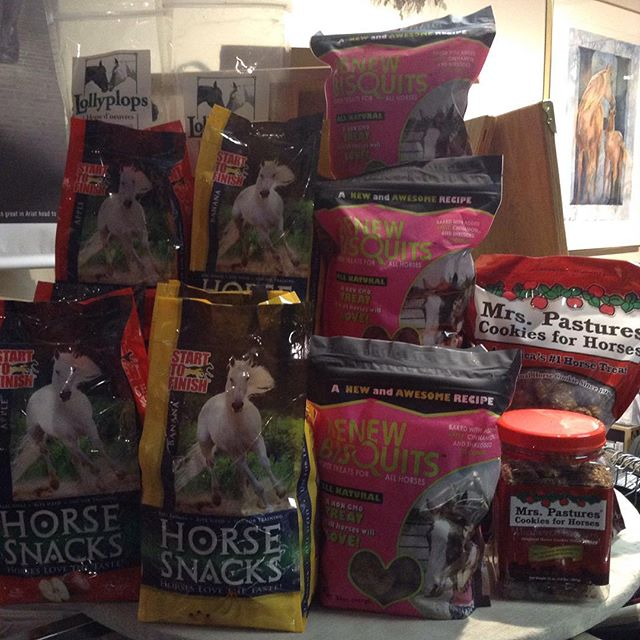 We've got all the cookies!! #renewgold #horsesnacks #mrspastures #lollyplops