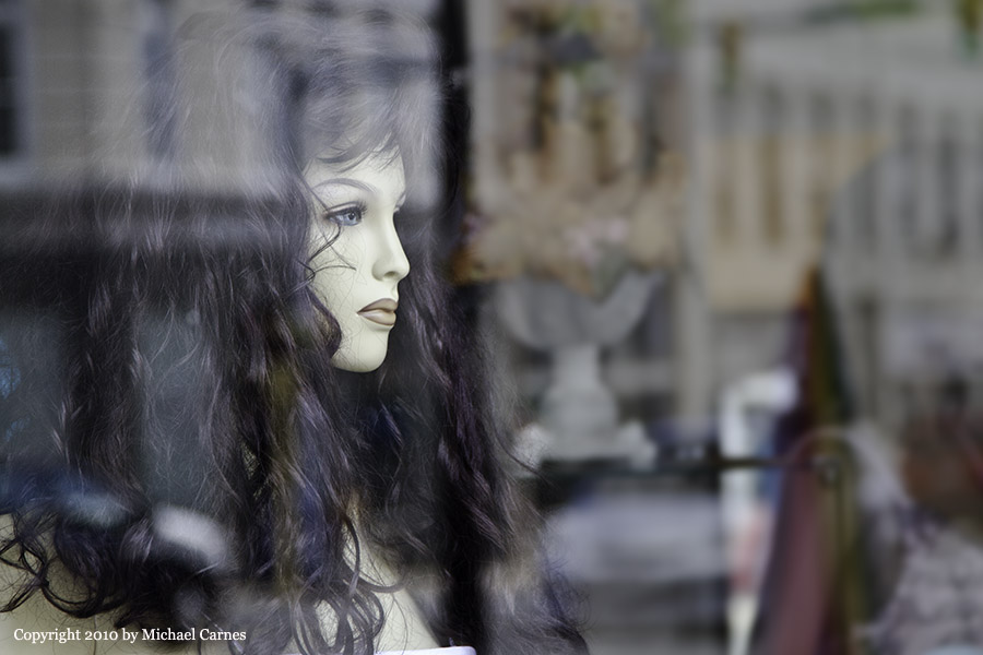 A small-town mannequin dreams of greater things