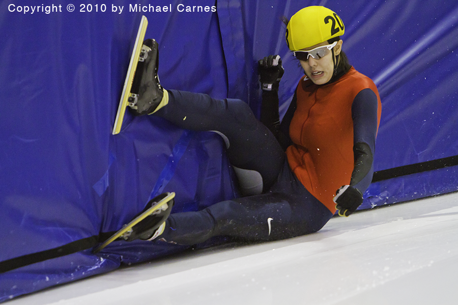 Sometimes the skate just won't grab.  2010 US Nationals, 3000 meter.